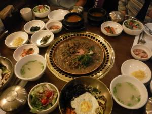 THIS is what a table in a Korean restaurant should look like...at Sariwon.